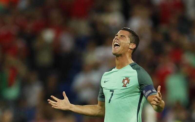 Mimpi Cristiano Ronaldo Memenangi Trofi Piala Eropa 2016