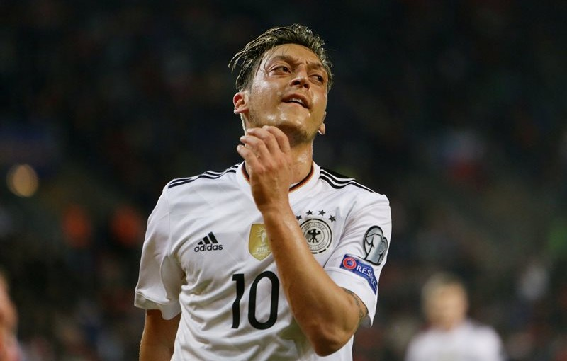 Soccer Football - 2018 World Cup Qualifications - Europe - Czech Republic vs Germany - Prague, Czech Republic - September 1, 2017   Germany's Mesut Ozil looks dejected    REUTERS/David W Cerny