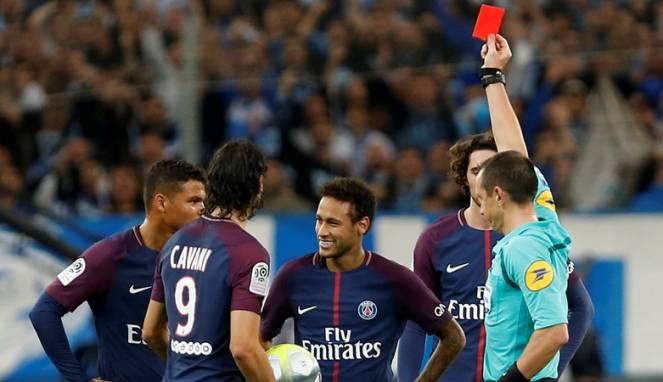 Pelatih PSG Ingatkan Neymar untuk Kontrol Emosi