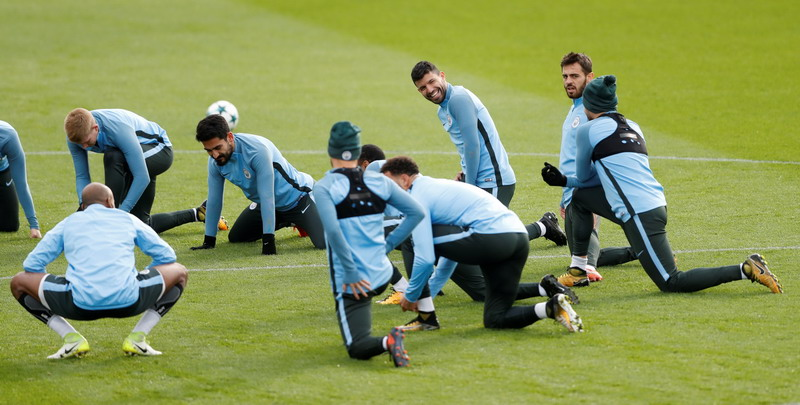 Soccer Football - Champions League - Manchester City Training - City Football Academy, Manchester, Britain - October 31, 2017   Manchester City's Sergio Aguero, Bernardo Silva and teammates during training   Action Images via Reuters/Carl Recine
