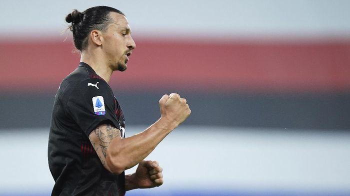 Bahagialah Milanisti, Ibrahimovic Dikabarkan Mau Bertahan